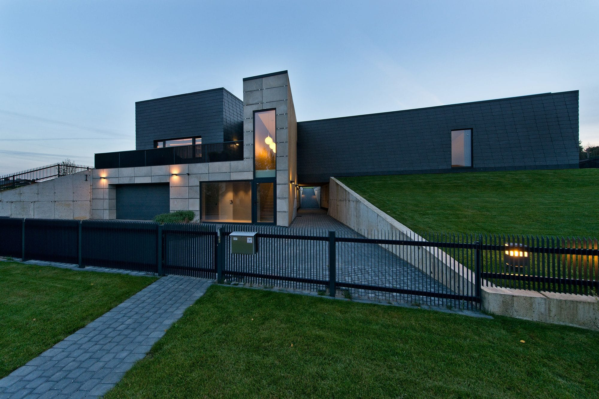 Современный дом Black House в Вильнюсе, Литва от бюро Laurynas Žakevičius architects, HQ architecture, HQarch, HQ arch, high quality architecture